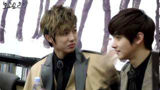 Video [Fancam] 121209 Minwoo T.K Gangnam Fansign download MP3, 3GP, MP4, WEBM, AVI, FLV Desember 2017