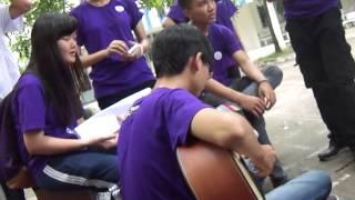 Lễ chào đón tân học sinh VTS: CLB Guitar