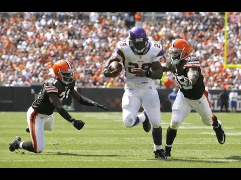 adrian-peterson-destroys-the-browns-in-2009-nfl-flashback-highlights