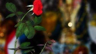 Amarre Para Atraer el Amor con Rosas, Uñas y Sangre
