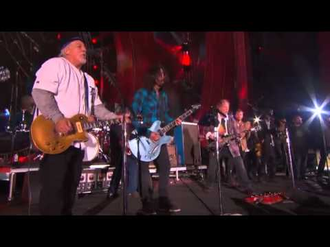 Neil Young  Crazy Horse Foo Fighters The Black Keys Band of Horses Keep on Rockin' in the Free World