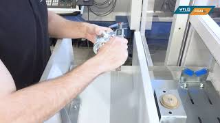 WFL Robotic Technologies - Ein - und Ausschleusen an der SPC Schublade