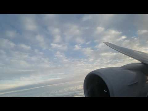United Airlines 777-200 Approach and Landing into Osaka (Kansai)