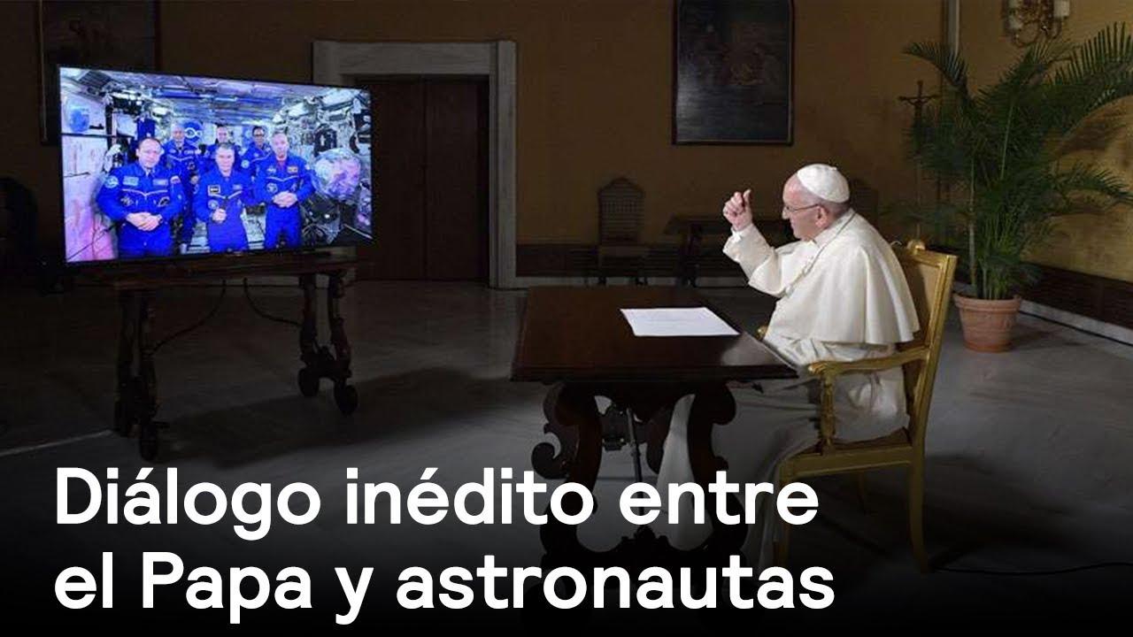 Resultado de imagen de papa francisco astronautas