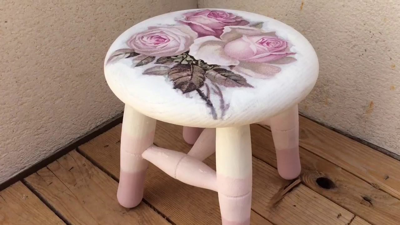 Taburete de madera decorado con decoupage y chalk paint for Bares decorados con madera