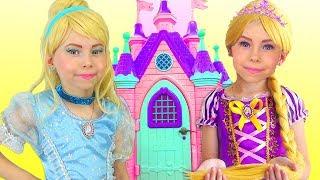Princesas Disney Juegan en casa de princesas - cuentos morales para niños