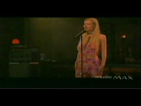 Bette Davis Eyes - Gwyneth Paltrow (HD)