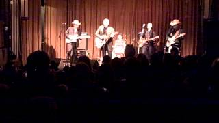 Dave & Phil Alvin & the Guilty Ones -- Truckin