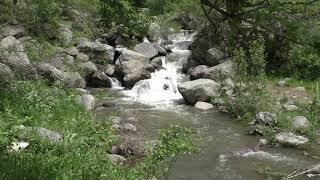 Армения. Истоки реки Гохт, монастырь Гегард. Природа, водопад, река, речные камни, горы.