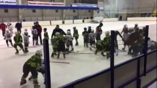 массовая драка юных хоккеистов в городе балаково саратовская область