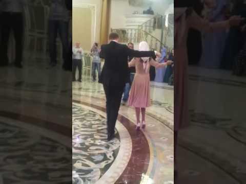 Внук Пугачевой танцует лезгинку