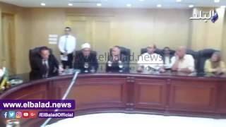 بالفيديو والصور..محافظ الفيوم يلتقى ببيتي العائلة المصرية ببورسعيد والفيوم