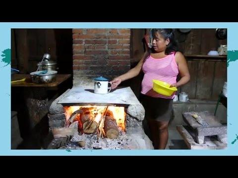 Se Messalina bage tortillas til retten quesadillas (Film 21)