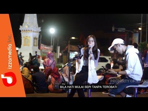 kla-project---yogyakarta-(-live-cover-tugu-jogja-by-nabila-feat.-tofan-)