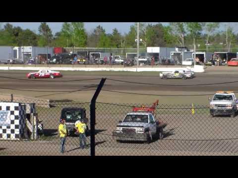 Jamestown Speedway Bomber Heats (5/13/17)