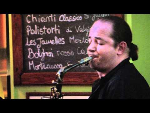 Assolo di Sassofono al Nicola's di Lucca