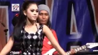 Utami DF - Tak Donwload Cintamu (Official Music Video)