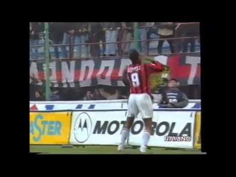 Patrick Kluivert en el Milan. Temporada 1997-1998.