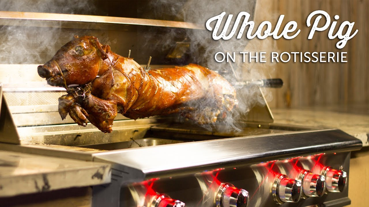 Pulled Pork Gasgrill Rotisserie : Whole pig roast on the rotisserie of the blaze professional gas