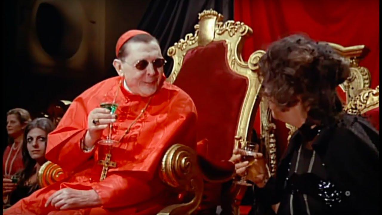 Fellini S Roma Sfilata Di Moda Del Clero Clerical
