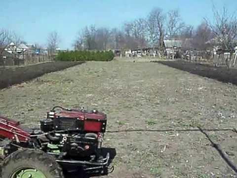 Самодельный трактор сам пашет 172
