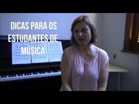 Pianista Ingrid Sotolarova na Escola de Música Villa-Lobos