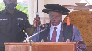 AMATIKKIRA E KYAMBOGO: Museveni ayagala abasoma saayansi beeyongere