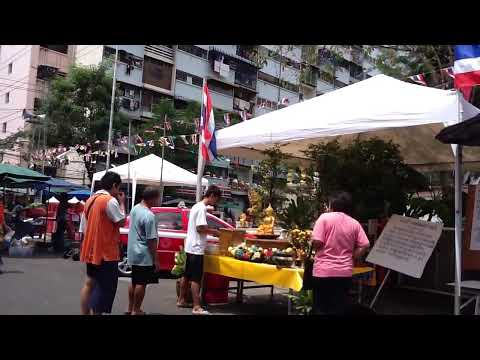 Songkarn day 2555( 4/13/2012) Bonkai Bangkok Thailand. 059.MOV