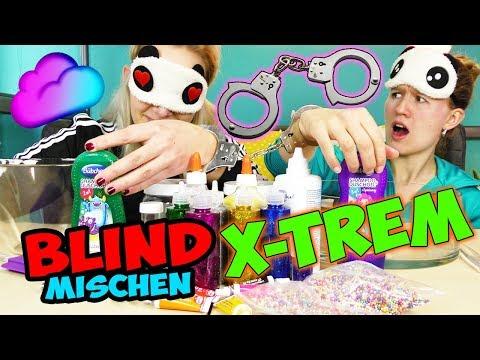 BLIND SLIME HANDSCHELLEN CHALLENGE Nina VS Kathi ANEINANDER GEFESSELT -WER MACHT DEN BESTEN SCHLEIM?