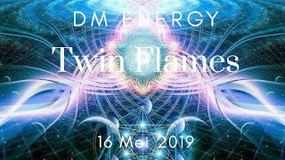 TwinFlame #DivineMasculine #YunitaTarot Untuk membeli full video ny...