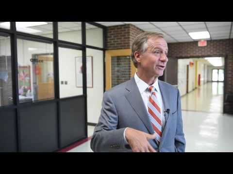 Gov. Haslam visits South Clinton Elementary School