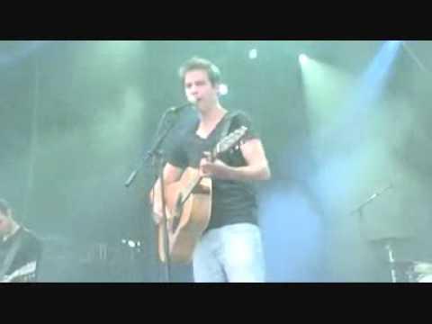 MATHEO (Mathieu Clobert) - Madame Blanche (extrait live au Tempo Tournai Festival 2012)