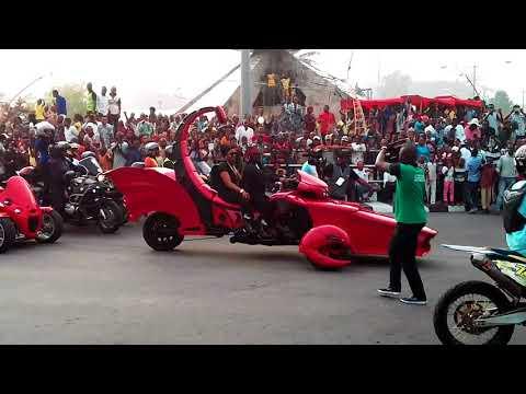 2017 Calabar Carnival : Ben Ayade And Wife Appear In Scorpion Like Bike (VIDEO)