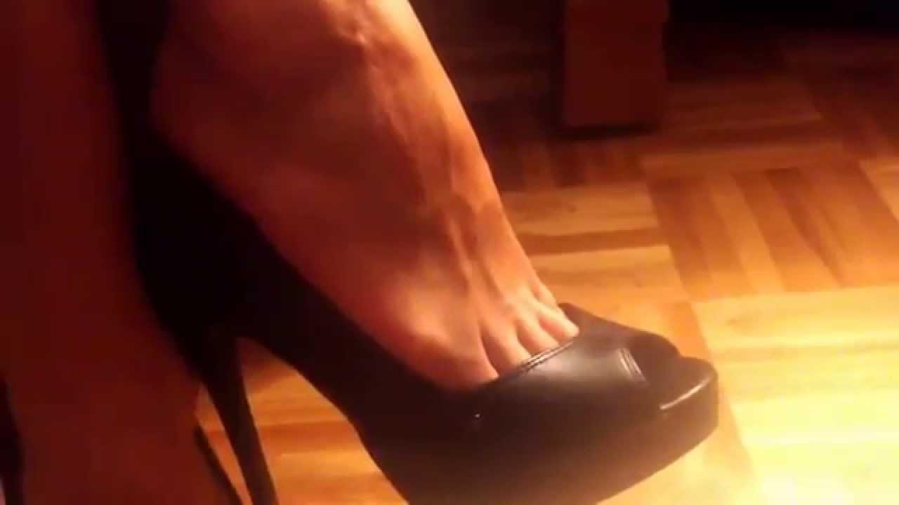 relaxing feet on 5inch heels