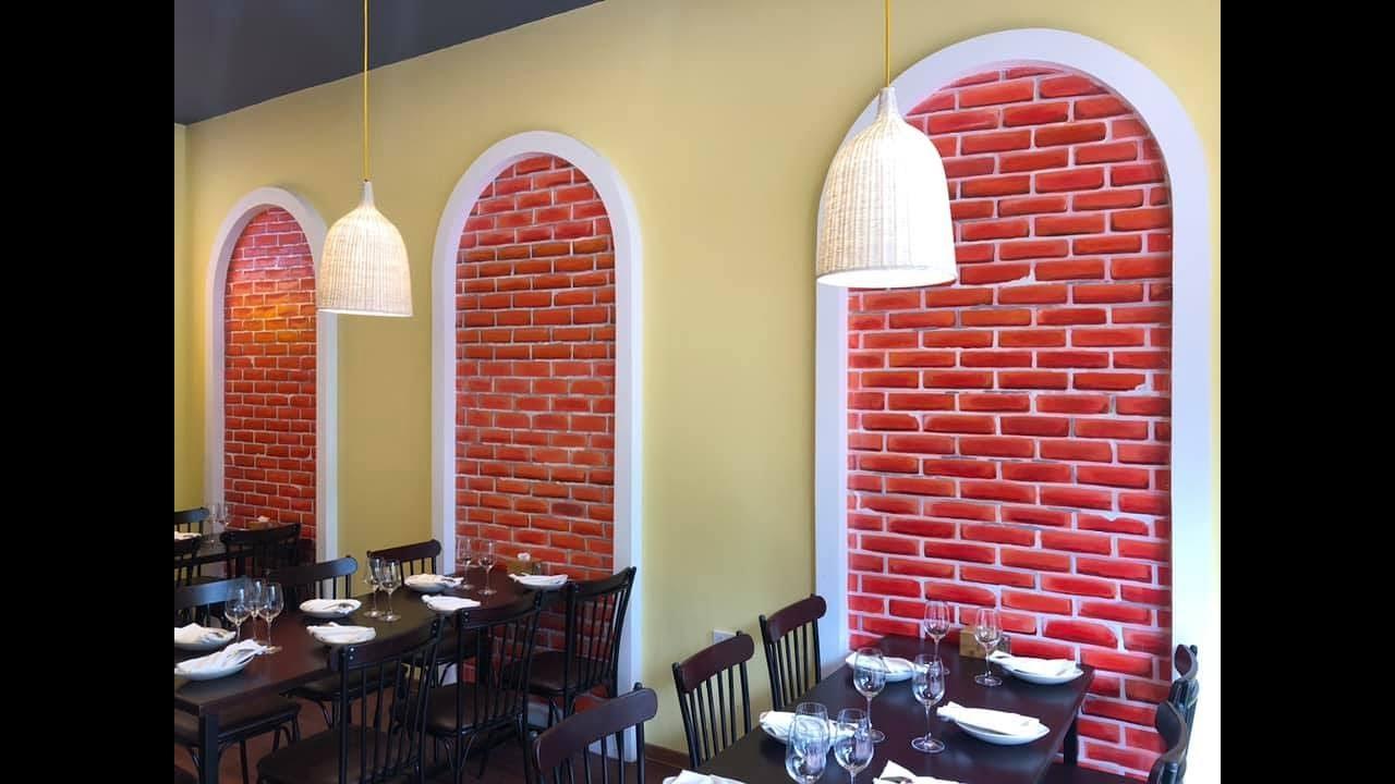 Vẽ tranh tường giả gạch 3D cho nhà hàng tại Từ Sơn, Bắc Ninh – Vẽ tranh tường Hà Nội rẻ đẹp