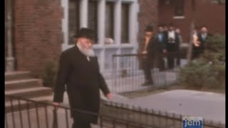 The Story of Rosh Chodesh Kislev 5738-1977