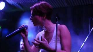 Debra Kadabra - La voce di Vale