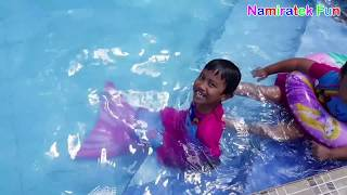 #2 balita belajar berenang di Kolam Renang Anak Fun Kids Learn Swimming Underwater in Swimming Pool
