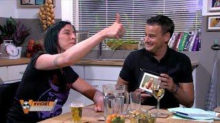 ''Is dat Hansie van Lachen Om Home Video's? Lekker programmaatje pik!'' - VI ORANJE BLIJFT THUIS