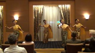 Blessing Dance :(รำอวยพรโปรยดอกไม้) by CPN Promotion