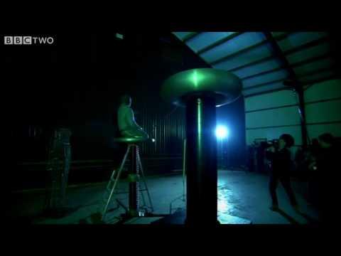 Human Lightning Rod - Richard Hammond
