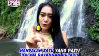 Vita Alvia - Dinding Pemisah (Official Music Video)