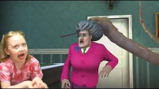 Уровень со змеей Scary teacher 3D 😜 Пранконули Мисс Ти в новом уровне про Злую Училку!