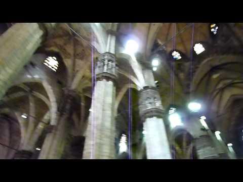 Milan - à l'intérieur de la cathédrale (Duomo)