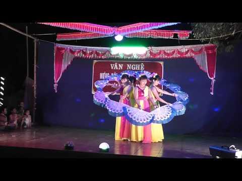 Hội làng 2015 - Múa Em Đi xem hội trăng rằm
