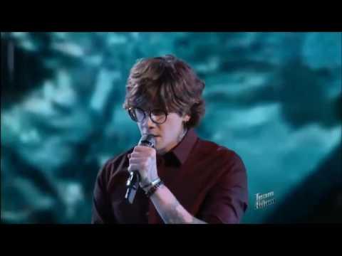 Adam Levine's reaction to Matt McAndrew singing
