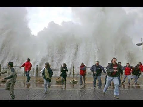 Top 10 Biggest Tsunami! Ships In Storm Giant Waves Ocean
