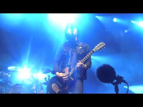 Green Day Angel Blue  Dreamforce Concert for Kids