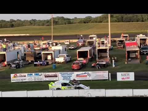 Fairmont Raceway Stock car start