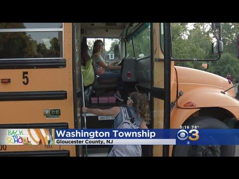 Students Head Back To School In Washington Township
